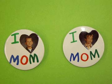 I Love Mom Badge